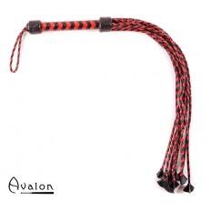 Avalon - HYDRA - Rød og Svart lang Ni-halet flettet Flogger med Lærstjernetupper
